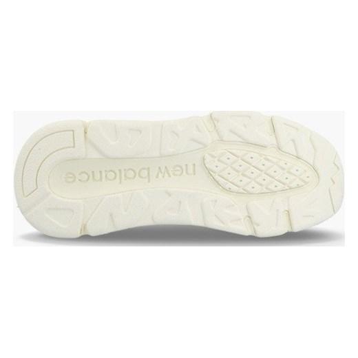 0cc92012108e64 Buty sportowe damskie New Balance w stylu casual sznurowane z gumy ...