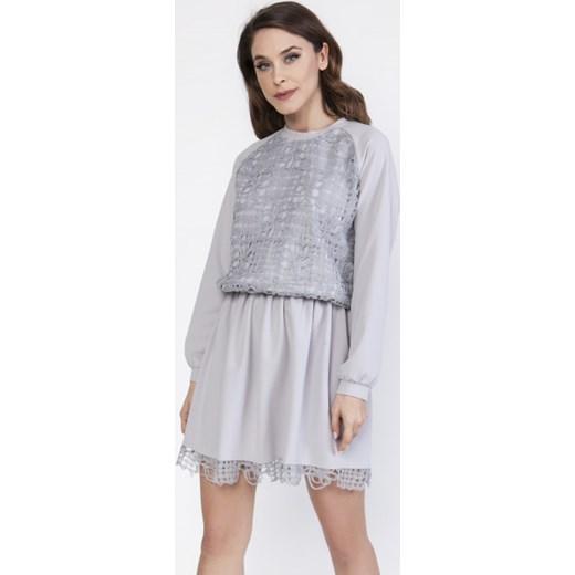 792d0e8942 Szara sukienka Milena Płatek z długimi rękawami mini oversize w Domodi