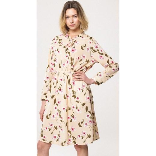 aa4daf6835 ... Sukienka Born2be z długim rękawem na spacer w kwiaty na wiosnę midi ...