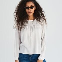 246b479243518 Bluzka damska Sinsay biała bez wzorów z długimi rękawami z okrągłym dekoltem