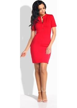 Elegancka dopasowana sukienka z guziczkami - czerwony  Lemoniade lemoniade.pl - kod rabatowy