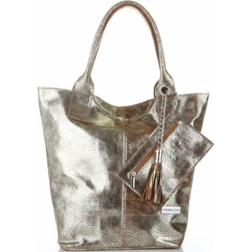 cea8856cee8c7 Shopper bag Vittoria Gotti lakierowana glamour skórzana z frędzlami  mieszcząca a6 ...