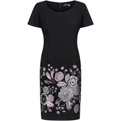 a140e11f6d Sukienka Dorota z okrągłym dekoltem midi na spacer dla puszystych