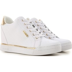 3d1c690847aaf Sneakersy damskie Guess wiązane letnie