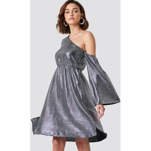 b67c740272 Sukienka NA-KD Party srebrna glamour w Domodi