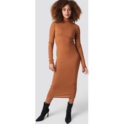 f59d30d671 Sukienka NA-KD z długim rękawem brązowa midi ołówkowa
