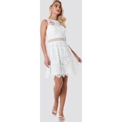 3e57be32c1 Sukienka Sister S Point mini biała z dekoltem w łódkę na urodziny trapezowa