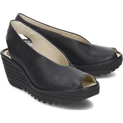 8f5a2d9e3b4c4 Czarne sandały damskie Fly London skórzane na koturnie casualowe gładkie na  średnim obcasie bez zapięcia