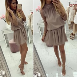 7e7b7ecb53 Sukienka z golfem z długim rękawem na wiosnę