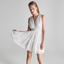 10e1766f7c Sinsay sukienka na urodziny bez rękawów biała rozkloszowana bez wzorów  elegancka