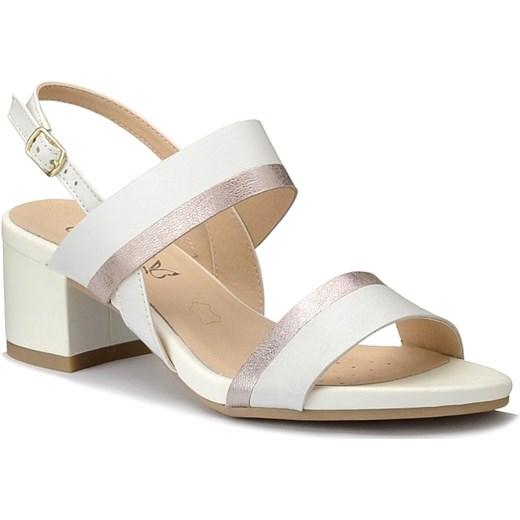 d3cf26bb Caprice sandały damskie bez wzorów białe casual skórzane na obcasie z klamrą
