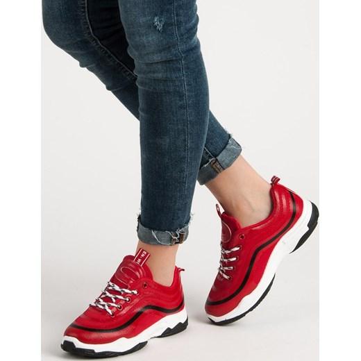 198f3344f3502d Czerwone sneakersy damskie Merg płaskie w Domodi