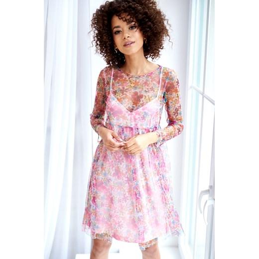 06028f5e07 Sukienka Mosquito midi z tiulu różowa na spacer z okrągłym dekoltem ...