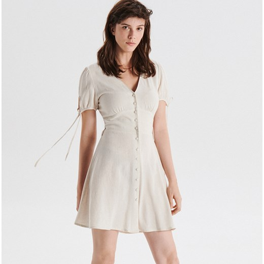 8cb4ec6ec5 Cropp - Sukienka mini z bufiastymi rękawami - Kremowy Cropp S ...
