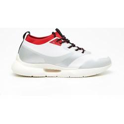 75bc1f5dbda3d Buty sportowe damskie białe Cropp sneakersy młodzieżowe bez wzorów  sznurowane na płaskiej podeszwie