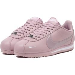 1f352eb0382e4 Buty sportowe damskie Nike sneakersy cortez bez wzorów na płaskiej podeszwie