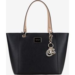 baae16ec4ce25 Czarna shopper bag Guess mieszcząca a6 na ramię