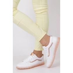 cbfa84ed Białe buty sportowe damskie casu.pl, wyprzedaż, lato 2019 w Domodi