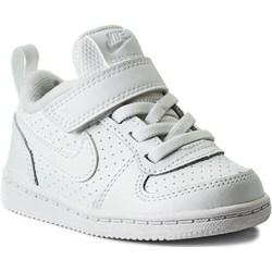 c52a3c36 Białe półbuty dziecięce Nike sznurowane ...