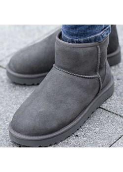 UGG W Classic Mini II  Ugg Sneaker Peeker - kod rabatowy