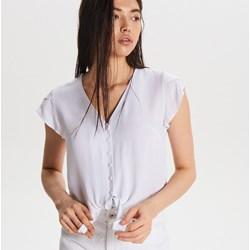8b8f51dac Bluzka damska Cropp biała z krótkimi rękawami