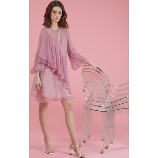 6de62a97bf Sukienka Framboise oversize owa mini dzienna z długim rękawem w Domodi