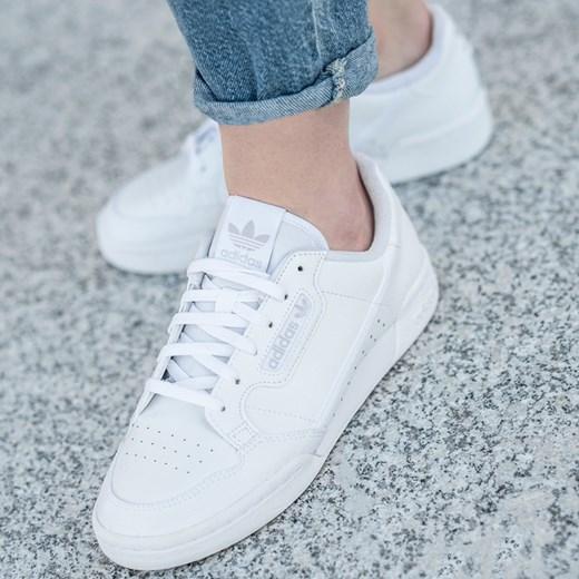 Buty sportowe damskie Adidas skórzane sznurowane gładkie na płaskiej podeszwie