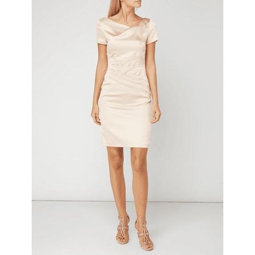 4936bf21a3 Sukienka Marie Noir na sylwestra satynowa prosta mini w Domodi