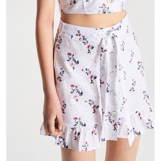 d1c95a90d6b4d9 Spódnica Cropp w kwiaty letnia mini w Domodi