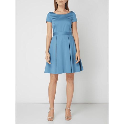 ff9260fca8 Sukienka Boss z okrągłym dekoltem na sylwestra mini w Domodi
