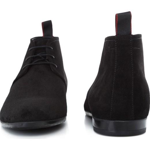 68dba811430de ... Buty zimowe męskie czarne Hugo Boss casual wiązane z zamszu jesienne. Buty  zimowe męskie Hugo Boss sznurowane skórzane