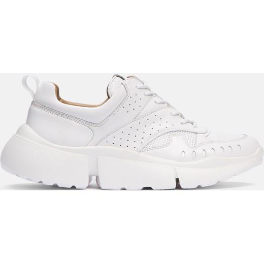 piękny Sneakersy damskie Kazar białe na platformie na wiosnę