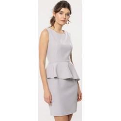 8d67d93376 Sukienka Born2be na spotkanie biznesowe z okrągłym dekoltem