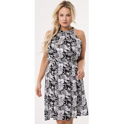 3e8b8f26555a4 Sukienka Born2be casual bez rękawów z dekoltem halter rozkloszowana
