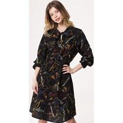 5c1fc68ea0 Sukienka Born2be midi z długim rękawem z żabotem