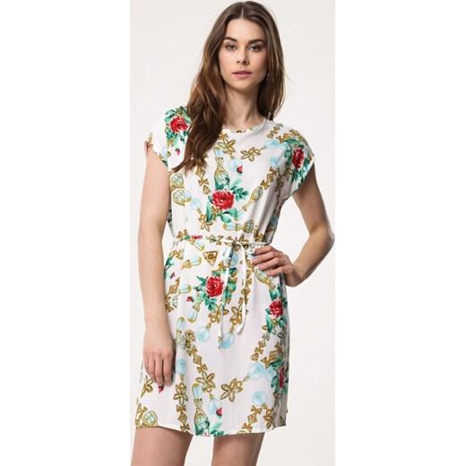 7505c06766 Sukienka Born2be z okrągłym dekoltem wiosenna mini prosta na spacer ...