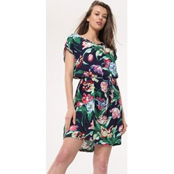 f290f19c8c Wielokolorowa sukienka Born2be na spacer mini z okrągłym dekoltem