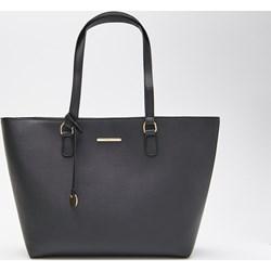 cd9312e527726 Czarna shopper bag House matowa mieszcząca a6 na ramię elegancka