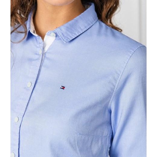 9531dd586bfb74 ... Koszula damska Tommy Hilfiger niebieska elegancka z długim rękawem na  wiosnę ...