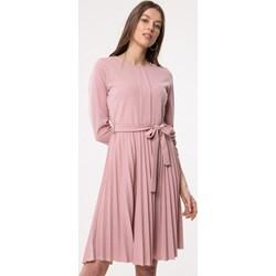 4d83796fb9 Różowe sukienki rozkloszowane midi