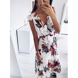 7e01704d0b Sukienka Pakuten na spacer z dekoltem w literę v w kwiaty midi