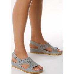 81781a8e32ea7 Niebieskie sandały damskie Born2be na rzepy bez wzorów casual ze skóry  ekologicznej