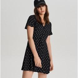 7556bd4ff0 Sukienka Cropp mini z dekoltem v