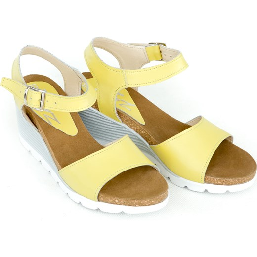 46ce33f8 ... Sandały damskie Zapato na koturnie na średnim obcasie casual z klamrą  skórzane