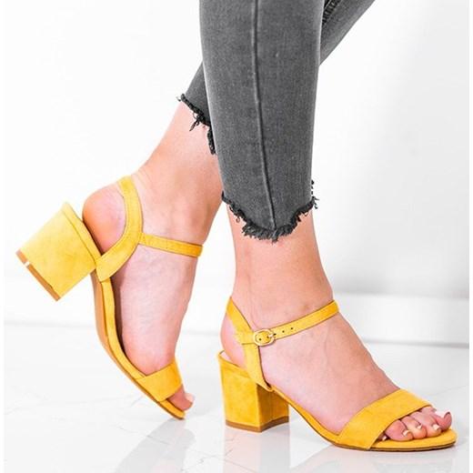 Żółte sandały na niskim słupku Julietta - Obuwie Royalfashion.pl Buty Damskie PK żółty Sandały damskie OXZU