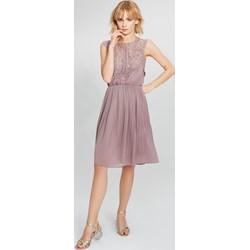b68f4dcb44 Różowa sukienka Femestage z okrągłym dekoltem