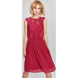 4d73df2b7f Sukienka Femestage elegancka bez rękawów z okrągłym dekoltem