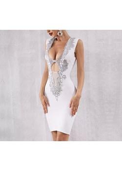 Sukienka bandażowa z ozdobnym dekoltem  Saintshe  - kod rabatowy