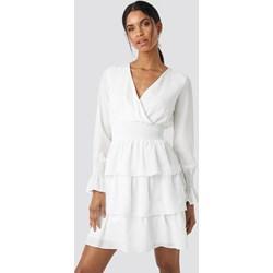 c8cc8e4df4 Sukienka Trendyol z długimi rękawami biała z dekoltem w literę v mini