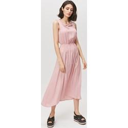 d8745dc97 Sukienka Femestage różowa z dekoltem woda bez rękawów gładka maxi z wiskozy